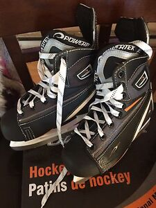 Boys size 2 & 3 skates *BRAND NEW WORN ONCE*