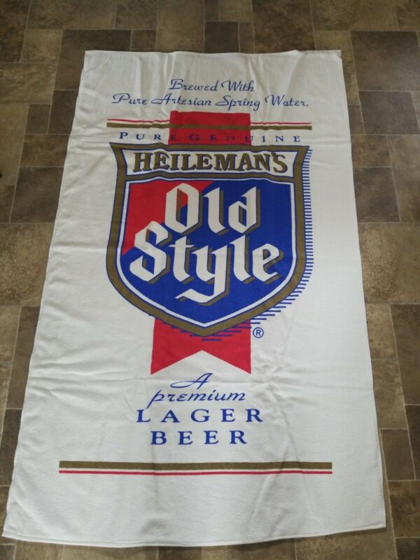 VTG  Heilemans Old Style Beer Advertising beach bar Towel wis Chicago new dundee