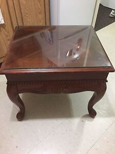 Wood end table and hallway table in good condition
