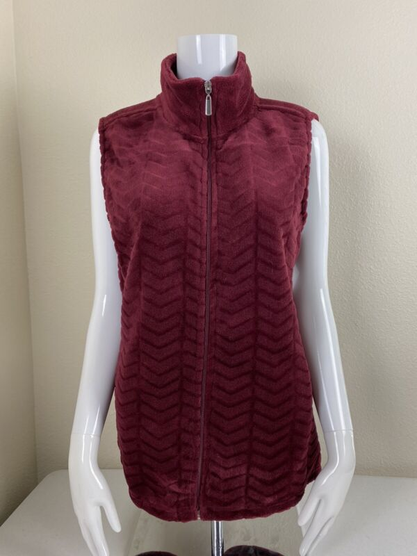 i . b . diffusion womens sleeveless vest size Large.. Reg. $ 35 Red Wine