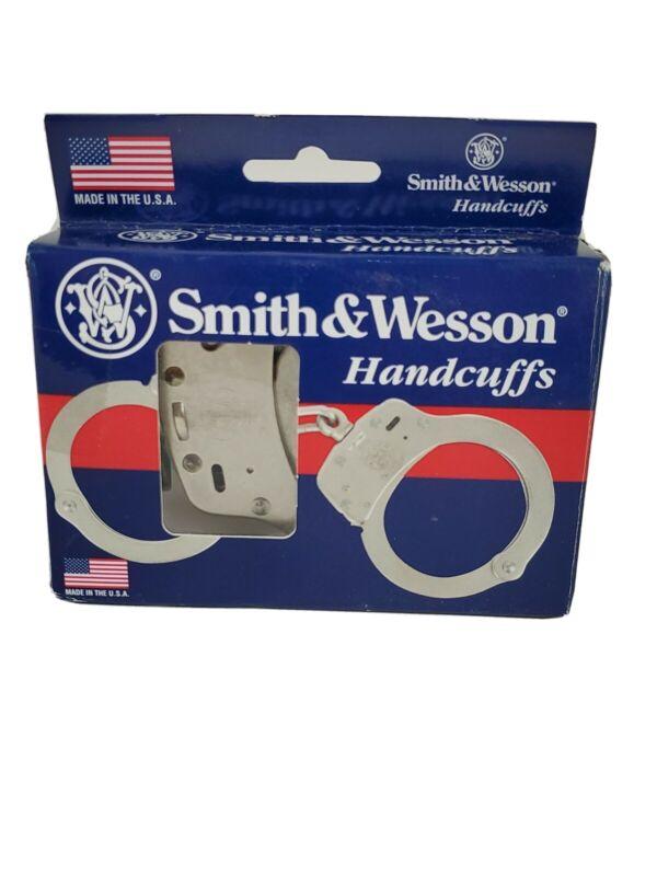 Smith & Wesson Model 100-1 M&P Lever Lock Nickel Handcuffs