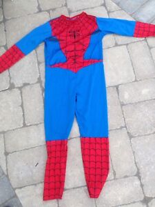 Spider man Halloween costume.   Youth size 5-7