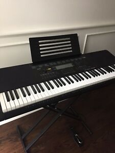 Casio WK Piano Keyboard and sustain pedal