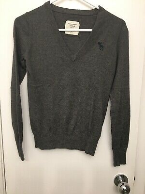 Abercrombie V-neck Sweater - XS