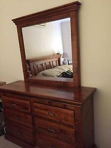 Dressing table with Mirror Glendenning Blacktown Area Preview