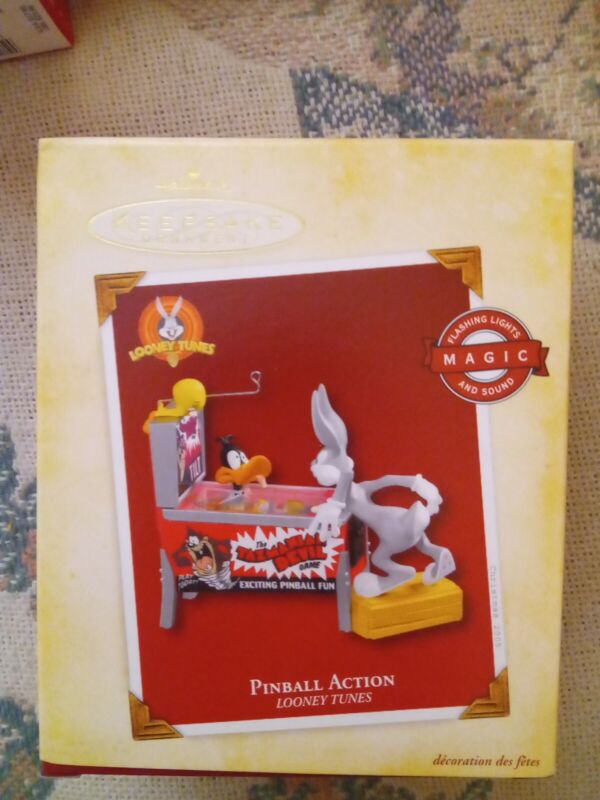 Hallmark Keepsake Pinball Action Looney Tunes Animated Ornament