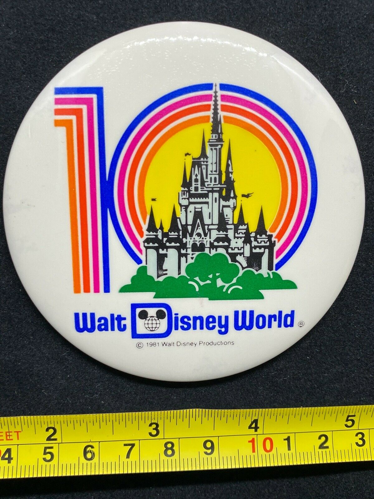 Disney Pin Button   Walt Disney World   10th Anniversary   Cinderella Castle