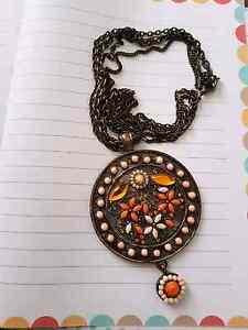 Pendant necklace Kotara Newcastle Area Preview