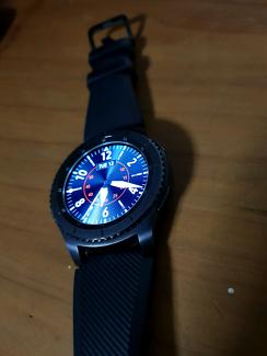 Samsung Galaxy S3 Gear Frontier smart watch - excellent condition