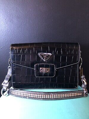Prada leather handbag black Vintage Fan