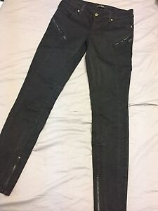 Guess black skinny jeans size 27