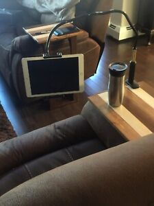 Tablet / phone holder