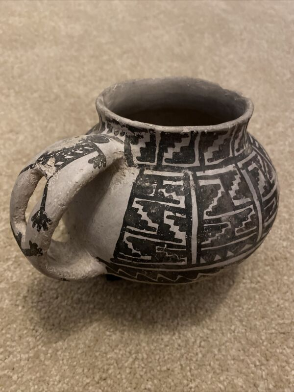 Large Intact Anasazi Tularosa Black On White Mug W/ Male & Female Figure Handle
