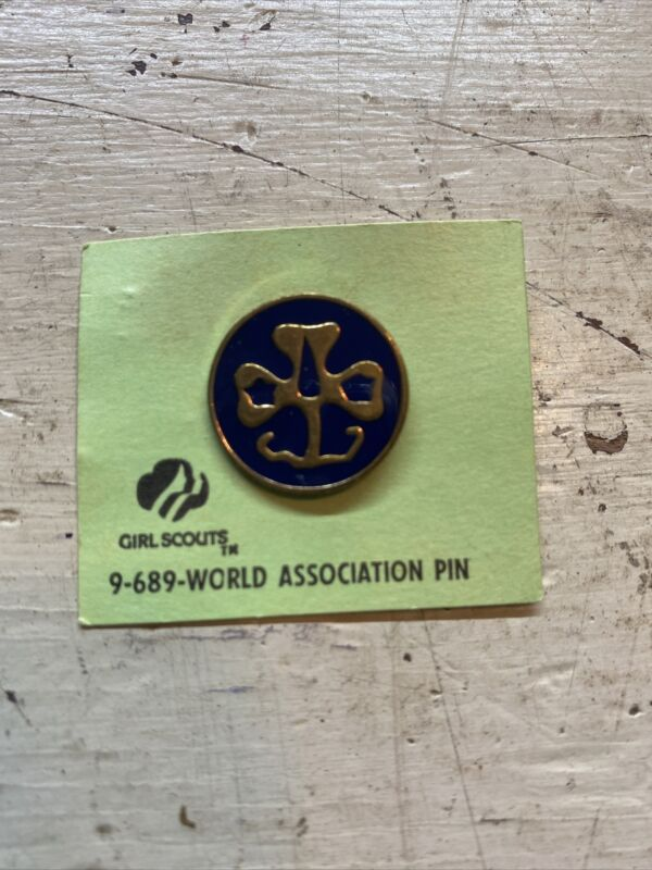 Vintage Girl Scouts World Association pin