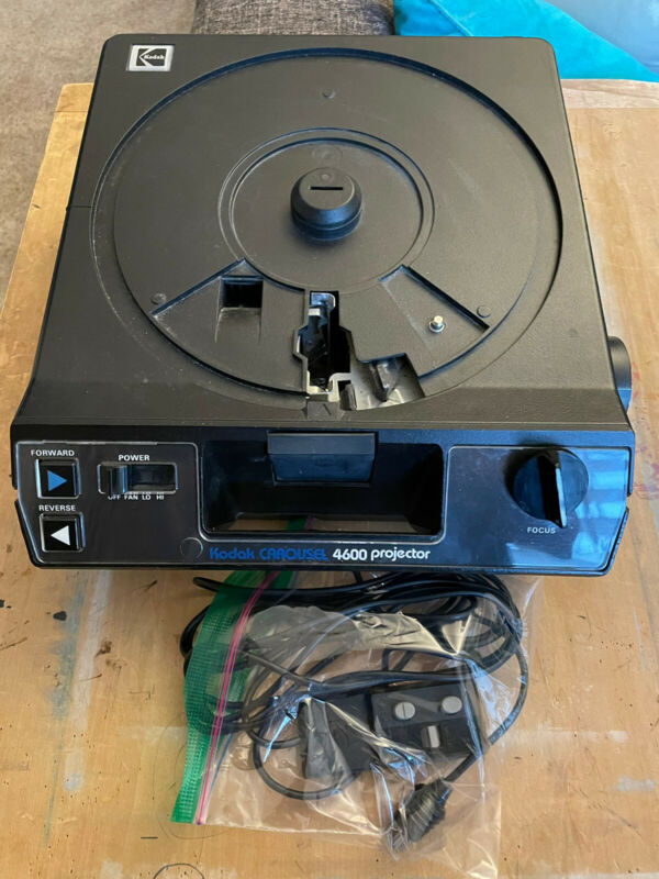 Kodak Carousel 4600 Slide Projector With Remote - Tested - No Tray or Box