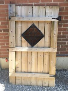 Wooden Gate (Hardware Included)