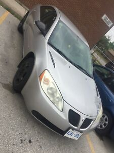 Pontiac G6 2006, clean title, selling the car as is for $2000