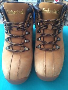 Timberland Mid-Cut boots (Size 9.5)
