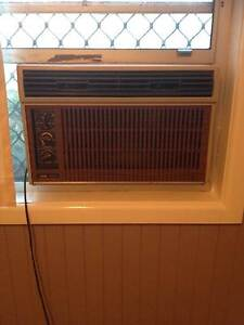 Window reverse air conditioner West Kempsey Kempsey Area Preview