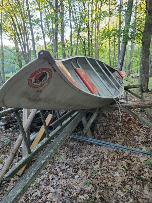 Osagian 17ft Canoe