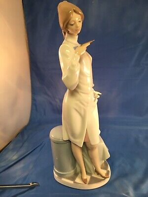 RARE LLADRO Doctor / Physician / Nurse Medical FigurineMINT Condition!
