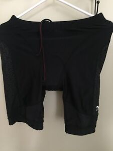 Men's Large TYR Bicycle shorts
