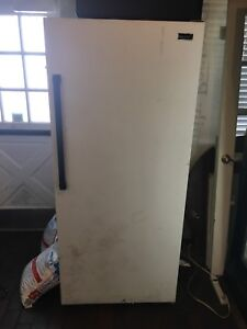 Non working Stand up fridge or freezer