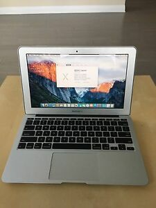 MacBook Air 1.6 i5 ghz 2gb memory 288 mb Video