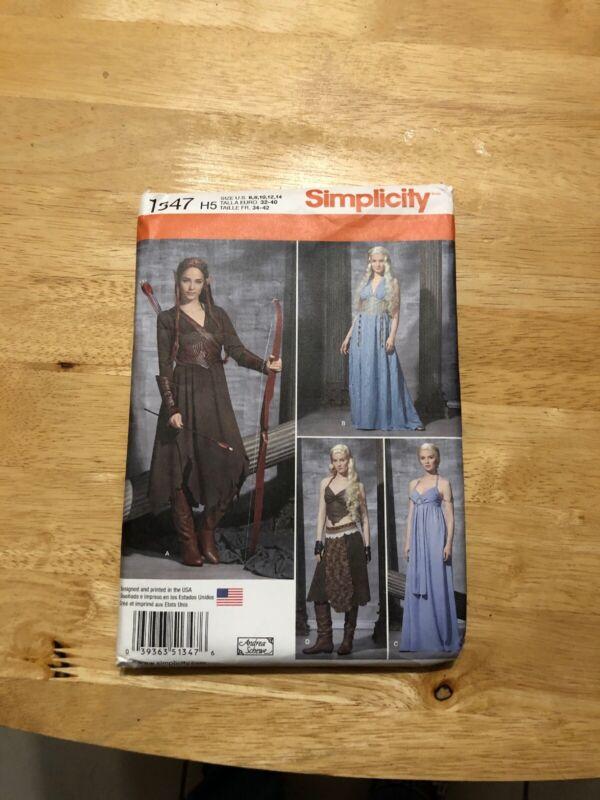 Simplicity Renaissance costume 1347 size 6- 14