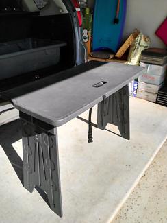 Chrysler Grand Voyager picnic table