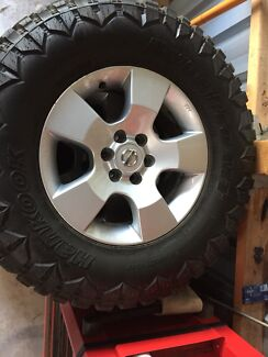D40 stx wheels and tyres