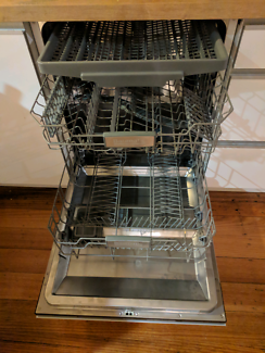 $100 Baumatic dishwasher. HEATER NOT WORKING. SERVICE NEEDED.