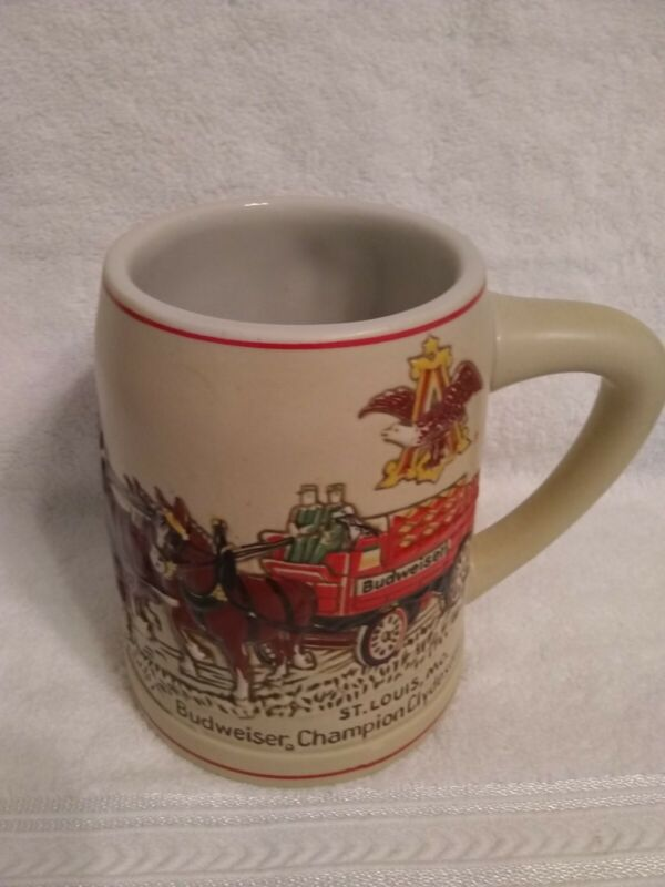 BUDWEISER Handpainted 1976 Holiday Stein Mug-GREAT SHAPE