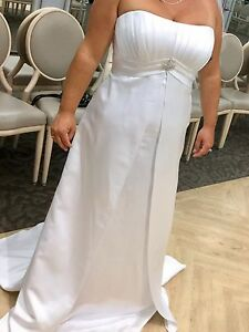 New never worn Davids bridal wedding dress