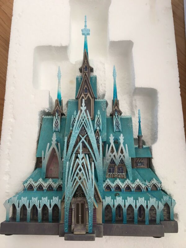 Frozen Arendelle Castle Light-Up Figurine - Disney Castle Collection Limited Ed.