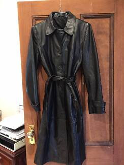 WOMEN'S BLACK LEATHER COAT - LIKE NEW Edgecliff Eastern Suburbs Preview