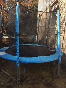 8' trampoline with net