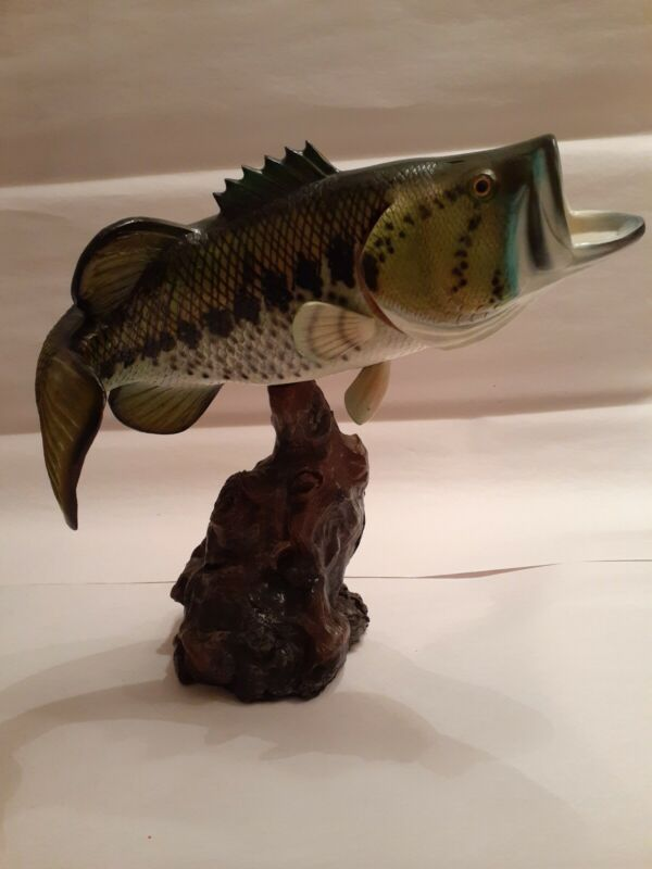 "10"" Big Mouth Bass Statue, lifelike Fish, Movable"