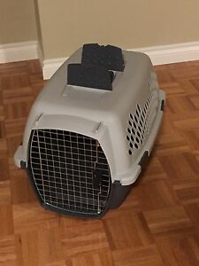 "Pet Taxi Kennel - Large 26"" Used 1 Time"