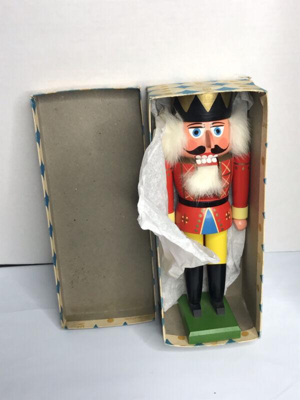 Vintage German VEB Kunstgewerbe Werkstätten Nutcracker Guard with original box