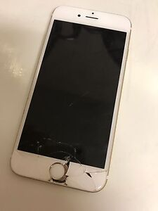 iPhone 6s 64gb - CRACKED SCREEN