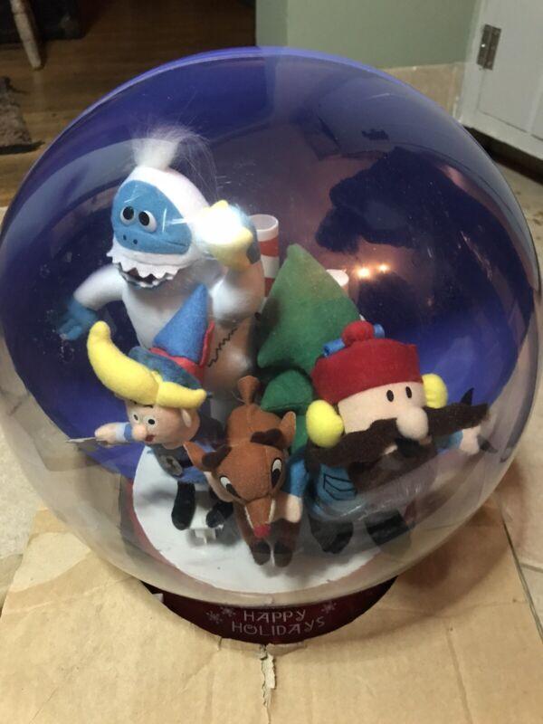 Gemmy Rudolph & Misfit Toys Christmas Snow Globe Musical Bumble Hermy Yukon New