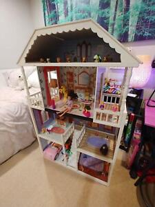 Doll House, Large and Furnished