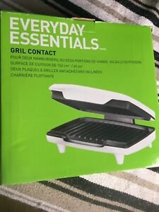 Counter-top grill