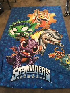 KING SINGLE -  SKYLANDERS QUILT COVER & PILLOWCASE