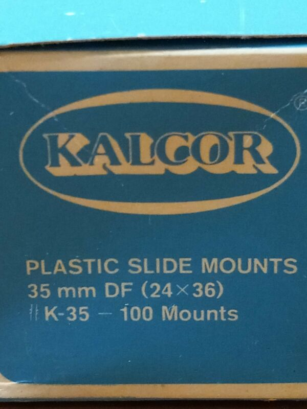 KALGOR Square Plastic Slide Mounts 35MM DF (24x30)  100 Mounts