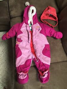Like new 6mth snow suit