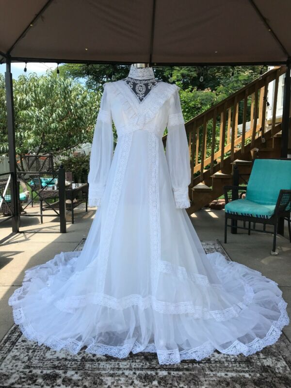 70s Vintage Wedding Dress - Boho- Victorian - Hippie Wedding - Long! - Lace Trim
