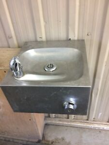 Commercial water fountains
