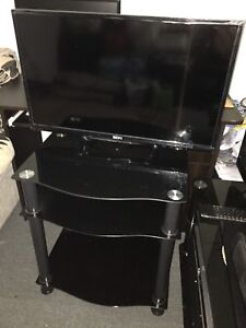 "32"" LED SEIKI TV FOR SALE WITH STAND"